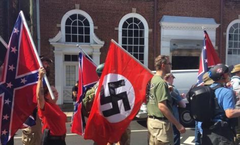charlottesville-nazis-blancs-verts