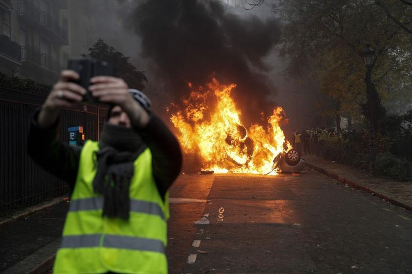 gilets jaunes-anarchisme-autorité